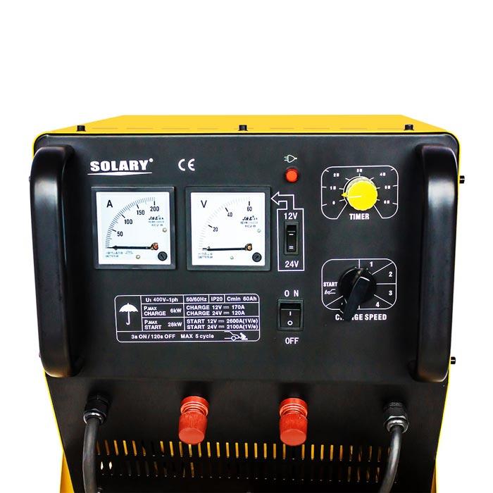 Bảng điều khiển của máy nạp ắc quy ô tô BT6030