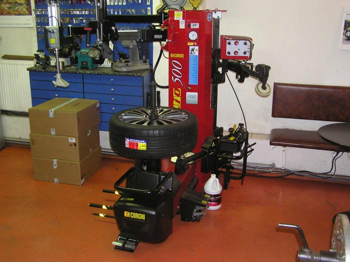 Máy tháo lốp Corghi Artiglio500